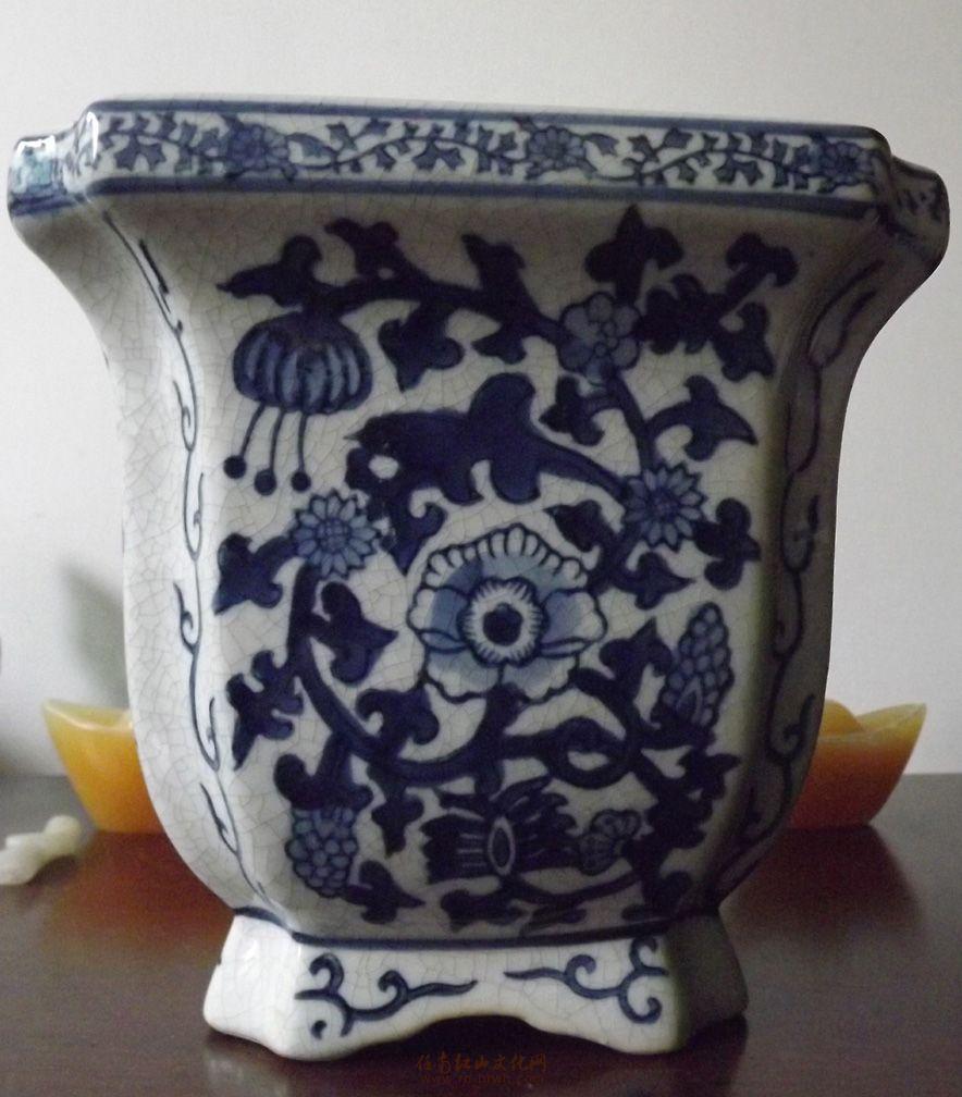 请教师友--这是哪个朝代的青花瓷花盆 - 第2页